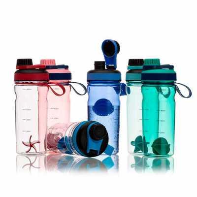 personalite-brindes - Coqueteleira plástica de 600ml com misturador