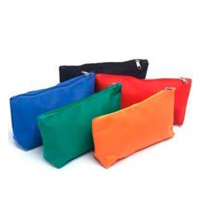 Necessaire personalizada  Largura:  22 cm Altura:  13cm Profundidade:  5 cm Embalagem:  saco plástico Gravação: Silk CASO QUEIRA UMA AMOSTRA VIRTUAL E... - WXZ BRINDES FABRICAÇÃO  PRÓPRI...