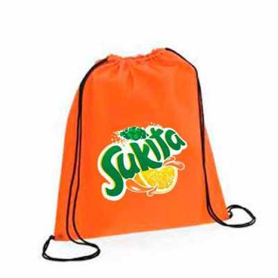 Sacola mochila Confeccionada em NYLON OU TNT - Medidas em centimetros: 41 alt x 32 comp; - Regula...