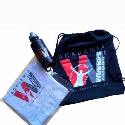 Kit Fitness- Contem : Mochila saco, squeeze  500 ml e toalha fitness. Personalizado   Disponível em cores variadas. Ótimo brinde pois associa sua marc... - WXZ BRINDES FABRICAÇÃO  PRÓPRI...