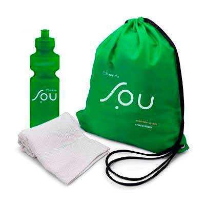 Kit Saco Mochila Garrafa e toalha personalizada, Composto de mochila tipo Saco feita em nylon ou TNT 80 OU NYLON com personalização em silk. Acompanha... - WXZ BRINDES FABRICAÇÃO  PRÓPRI...