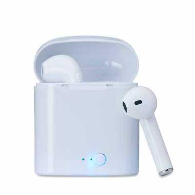 - Fone bluetooth plástico com case carregador. Para utilização do produto, pressione e segure o botão lateral de ambos fones ao mesmo tempo, luzes led e...