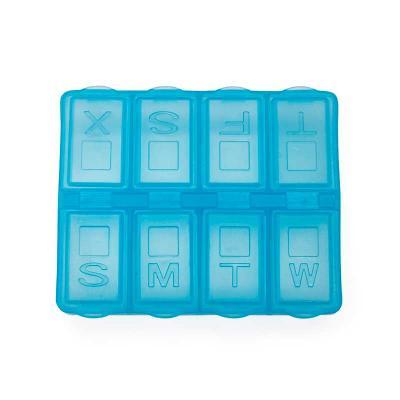 Porta comprimido semanal em material plástico. Cada divisória contém a letra inicial referente o ...