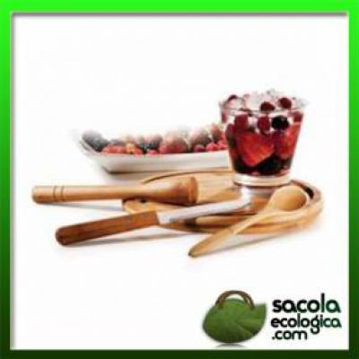 Desenvolvido em bambu de reflorestamento com acabamento de excelente qualidade. O kit é composto por cinco peças, sendo elas: 01 Faca para Frutas de 4... - Sacola Ecológica.COM