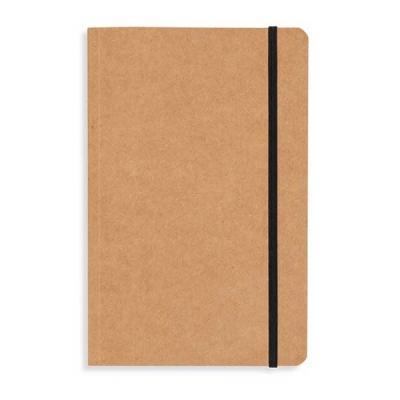 Caderneta em material kraft, frente e verso liso com fita elástica para fechar. Contém aproximada...