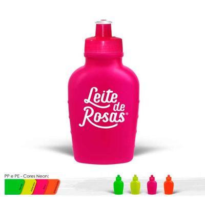 Cantil personalizado em Plástico PE resistente e flexível, tampa rosqueável em PP e bico em PVC c...