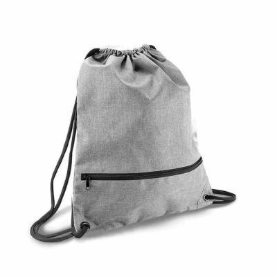 Mochila saco de poliéster 300D com bolso inferior de zíper. Especificacoes Altura: 46,5 mm Largur...