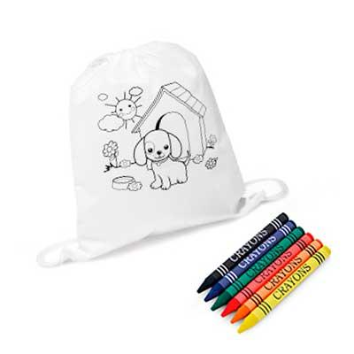 Sacola tipo mochila para colorir. Non-woven: 80 g/m². Com desenho impresso e bolso interior. 6 gi...