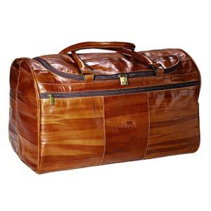 Mala de viagem personalizada, com amplo espaço para suas bagagens.