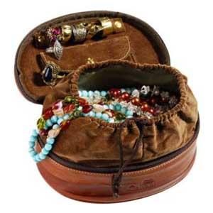 galvani - Porta jóias todo pespontado, com alça de mão e bolso interno.