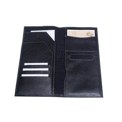 Galvani - Porta travel com duas abas internas, divisórias p/ cartões e passaporte, com um porta  cartão no verso, todo pespontado, tam aprox. 11,5 x 23,0 cm.