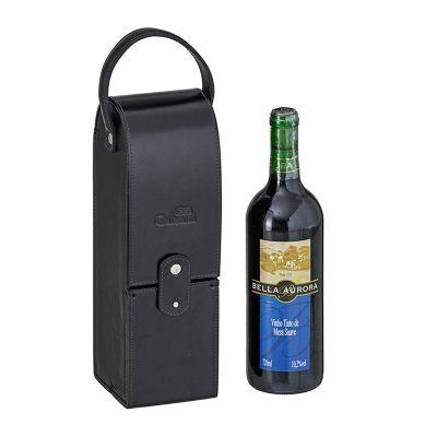Porta vinho único, fechamento com botão todo pespontado e alça de mão. - Galvani