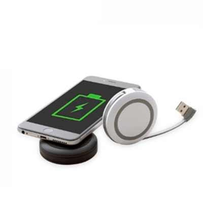 HUB USB com 3 saídas e Base Wireless para recarga de dispositivos. Disponíveis nas cores branca e...