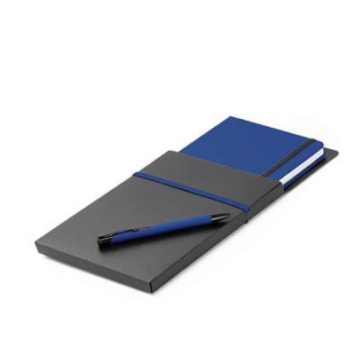 Kit de caderno e esferográfica. em material sintético. Com 80 folhas não pautadas. Fornecido com ...