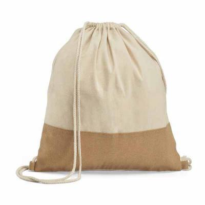 Sacola tipo Mochila 100% algodão. Detalhe em juta. Alças em algodão de 65 cm. 370 x 410 mm