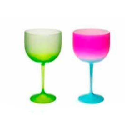 O Gin é a bebida querida dos brasileiros. As Taças Gin Shelby Fantasy tem a mais completa linha d...