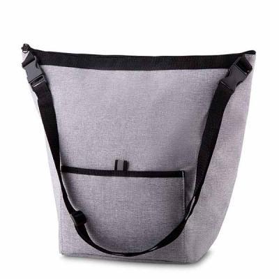Bolsa Térmica. Capacidade 10 litros Bolso frontal. Alça de ombro regulável. Tecido nylon e e poli...