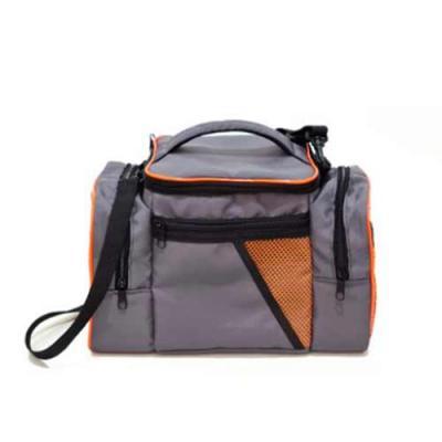 Bolsa Térmica em Nylon 240 de 19,5 litros com bolsos laterais e abertura frontal 1 bolso frontal ...