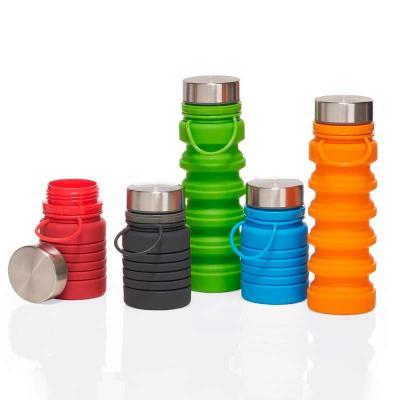 Garrafa Retrátil 600ml produzida em silicone livre de BPA. Possui tampa rosqueável de alumínio e ...