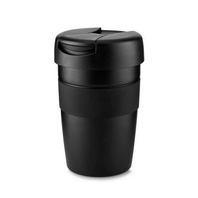 Caneca inox na cor preta com pegador de silicone.