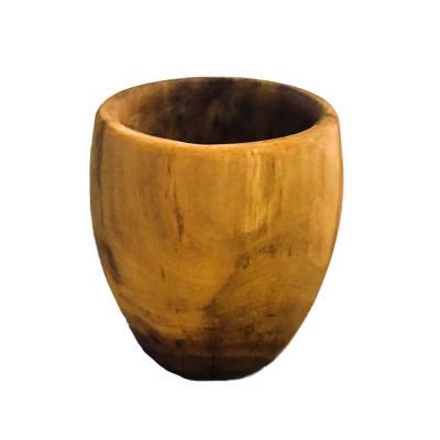 Xícara feita com madeira de café