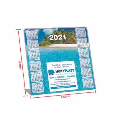 Calendário de mesa impresso no papel em offset