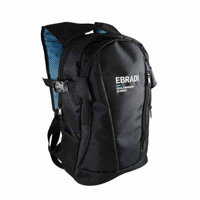 Mochila tamanho médio, com espaço interno para laptop. Muito linda essa mochila vai encantar seus clientes.