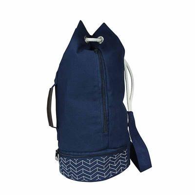 Saco mochila é em lona