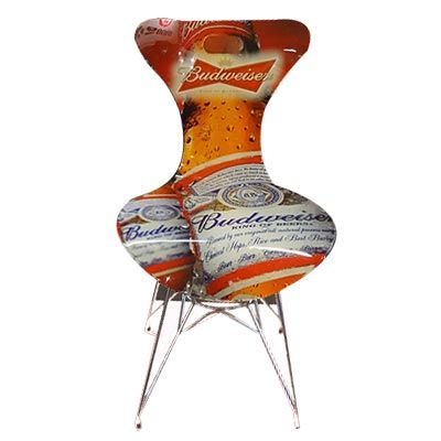 Cadeira de acrílico cristal, recortada a laser na espessura de 10mm personalizada com a arte escolhida pelo cliente através de impressão digital UV