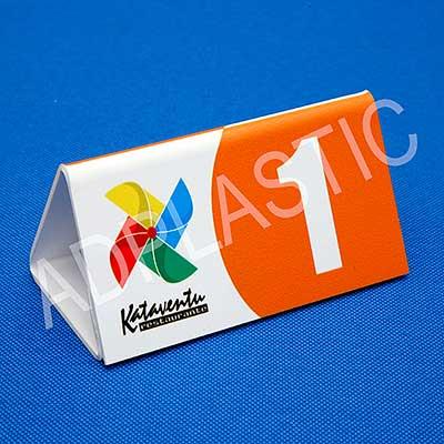 AD Plastic - Display de poliestireno - alto impacto, modelo triangular, personalizado em duas faces em impressão digital UV