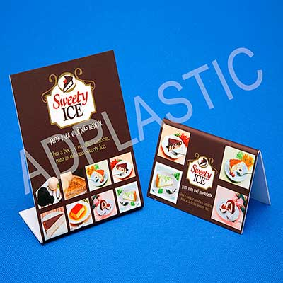 """AD Plastic - Display de poliestireno alto impacto. Podendo ser em """"L"""" ou em """"V"""" invertido, personalizado com sua arte direto no material através de impressão digit..."""