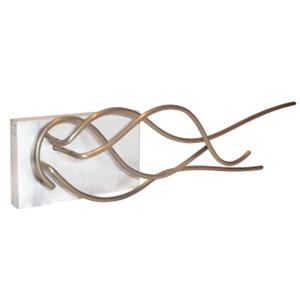 ozn-produz - Escultura composta por fios metálicos trabalhados manualmente.