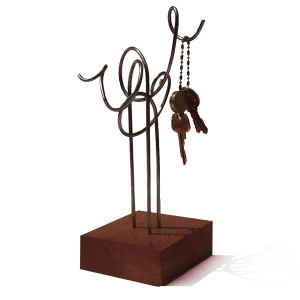 ozn-produz - Porta chaves confeccionado em metal e madeira.