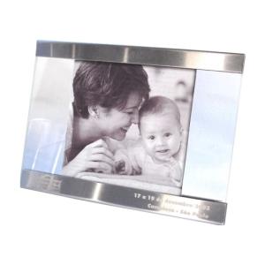 OZN Produz Presentes Corporativos - Porta retrato produzido com duas lâminas de vidro lapidado.