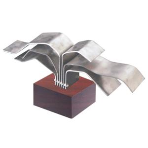 ozn-produz - Troféu modelo Árvore, produzida com lâminas de aço inox.