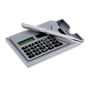 Calculadora prata com porta cartão e caneta