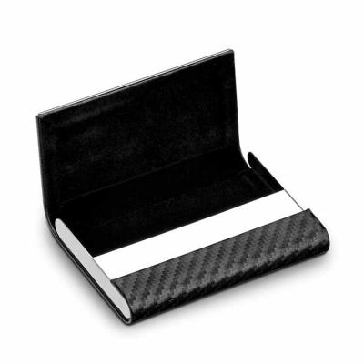 Metal e c. sintético. Incluso caixa. 95 x 64 x 13 mm.