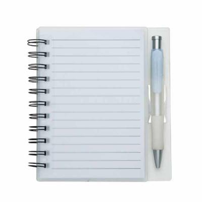 Bloco de anotações acrílico com wire-o e caneta plástica. Possui aproximadamente 70 folhas branca...