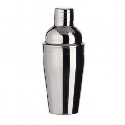 Coqueteleira de aço inox 550ml. Possui tampa de encaixe com peneira e tampa protetora para o bico.