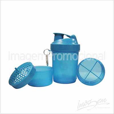 Shaker (coqueteleira) em plástico rígido com 03 divisórias.