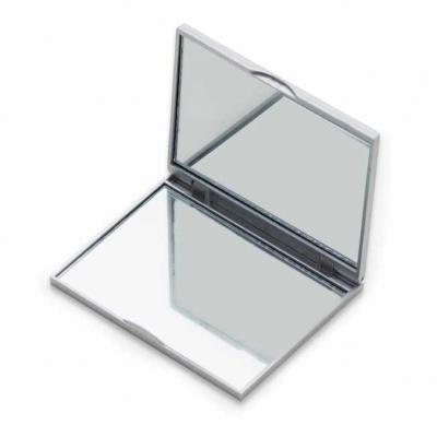 Espelho retangular duplo sem aumento, material em plástico resistente com uma faixa na superfície...
