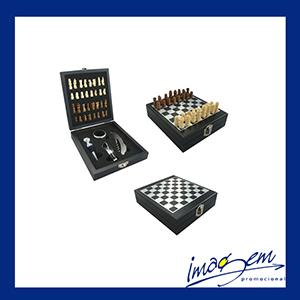 Kit vinho com 4 peças com jogo de xadrez