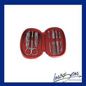Kit manicure com 7 peças, embalagem em sintético vermelho