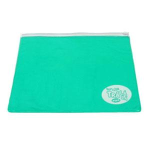 Envelope personalizado em PVC cristal colorido, com zíper de PVC (outras medidas, materiais e detalhes sob consulta). Medidas: 30 L x 26 A cm. - Eletroplast