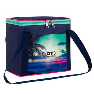 - Bolsa térmica fresh M.  Bolsa térmica personalizada para: viagens, passeios,praia, chácaras, sua marca em momentos felizes. Medidas em cm: L30,0/H26,0...