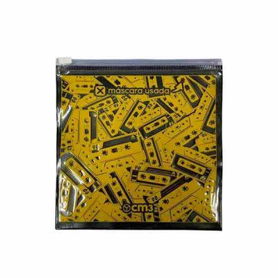 Embalagem em pvc impermeável e lavável com compartimento individual para máscara esterilizada e m...
