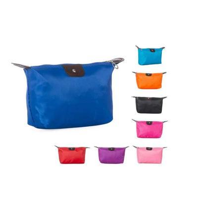 Necessaire de nylon colorido com detalhes em material sintético e parte interna com revestimento ...
