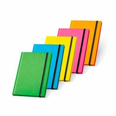Caderno capa dura. PU fluorescente. 96 folhas pautadas. 140 x 210 mm