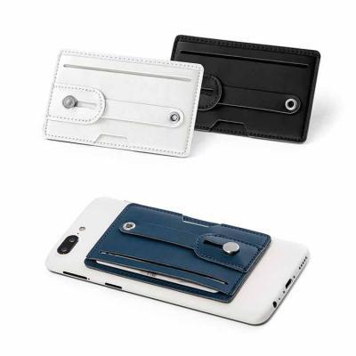 Porta cartão personalizado feito de couro sintético, com fita ajustável. Possui tecnologia de blo...