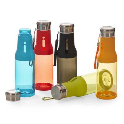 Squeeze personalizada feita em plástica, com capacidade de 700ml. Tampa metálica rosqueável a vác...